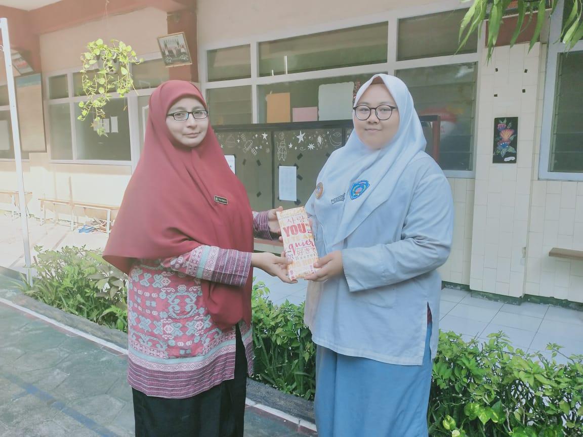 SMA ISLAM DIPONEGORO SURAKARTA ADAKAN PROGRAM ONE MONTH ONE BOOK DALAM RANGKA #MAKEINDONESIAREADAGAIN
